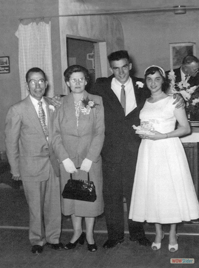 Walter Sherman Baker & wife, Thelma with son Pete & wife, Larue
